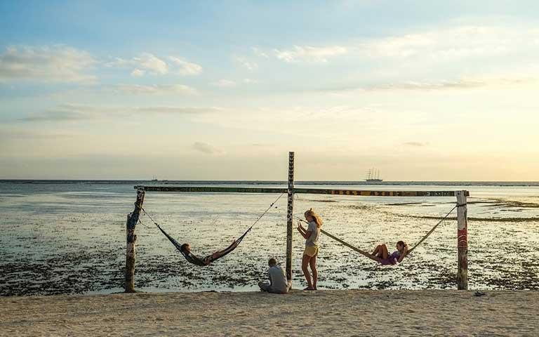 Gili Island swings - Gili Air island life