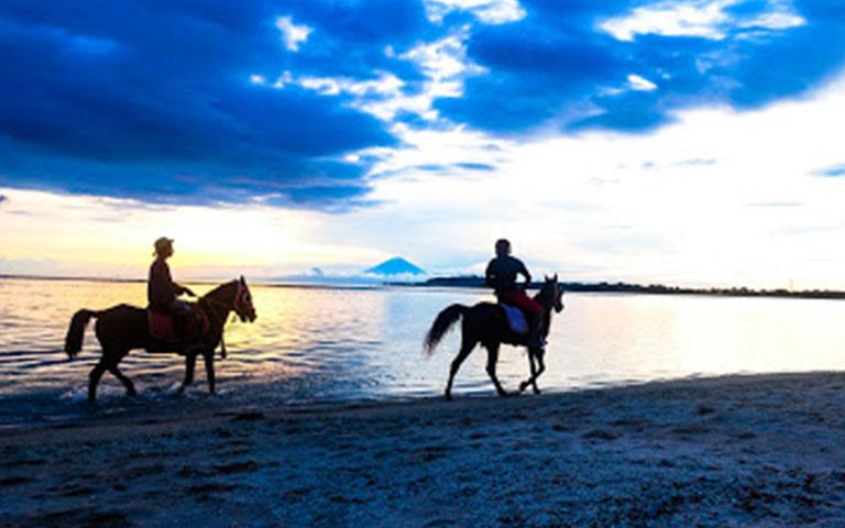 Horse riding on the beach - Gili Air island life