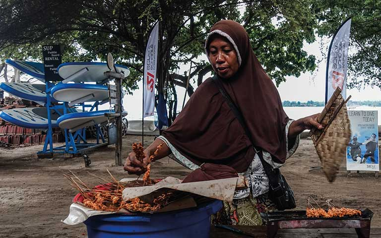 people of the gili island