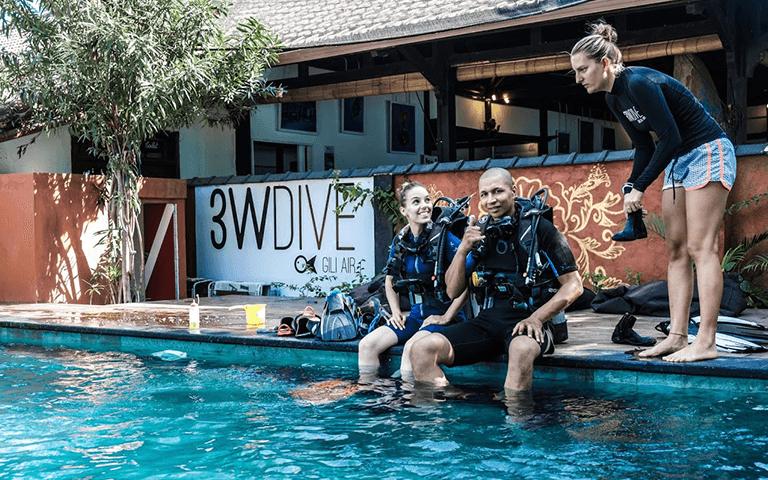 Divemaster pool training
